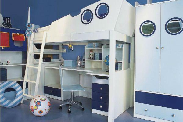 белая мебель с синими вставками