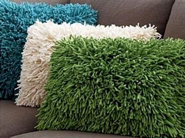 Диванные подушки в интерьере – красивый декор своими руками