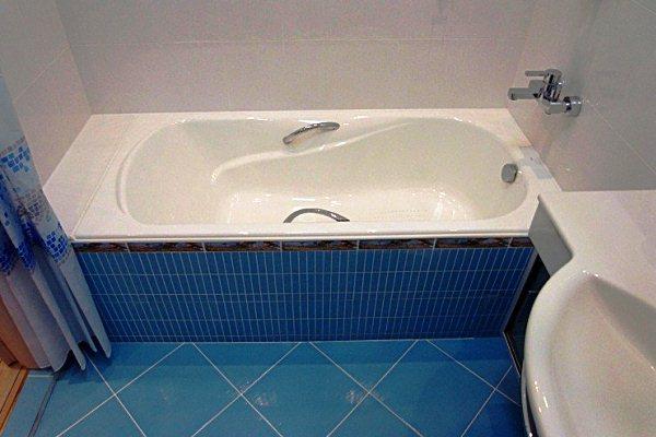 какую выбрать чугунную ванну