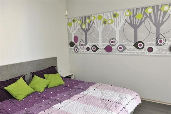 контрастный зеленый для подушек и отделки стен