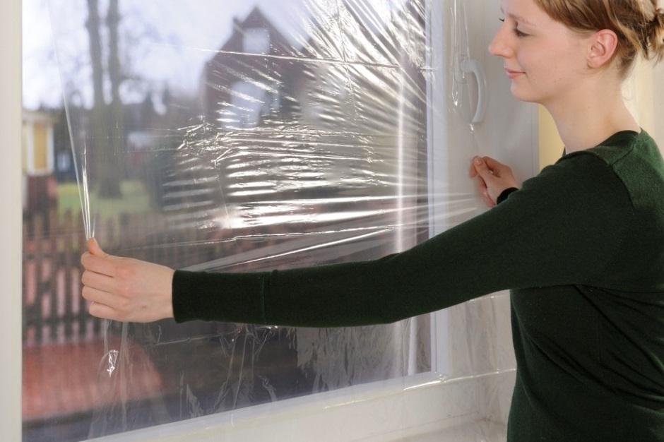 как утеплить окно пленкой