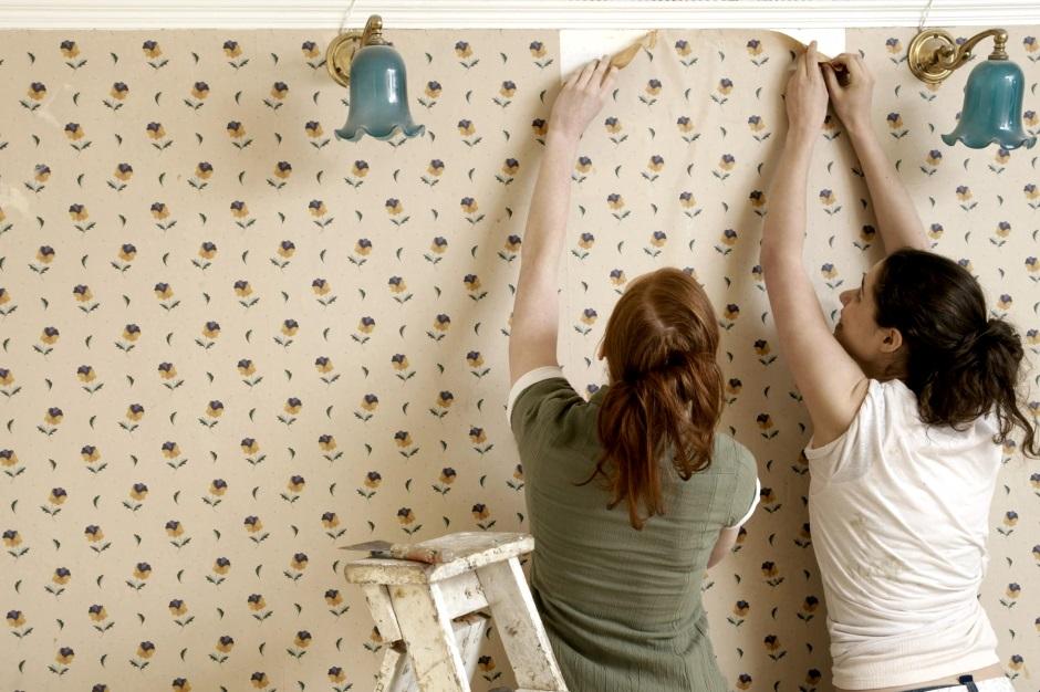 Как заменить часть обоев на стене